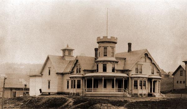 Old photo of Maplecroft B&B, circa 1887